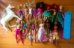 Lot of Barbies - 2 Moana 2 Ariel 1 Anna & Elsa
