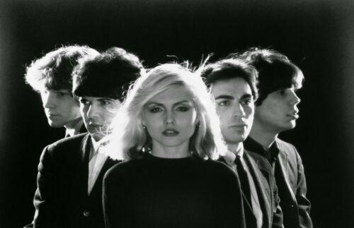 Blondie Photograph 11 X 17 - Marvelous 1977 Debbie Harry & Band - Poster Print