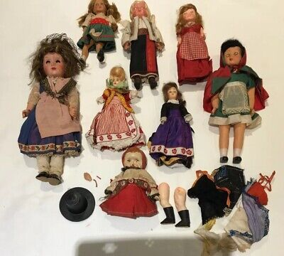 COLLECTION OF EIGHT 1950'S / 1960's VINTAGE NATIONAL COSTUME DOLLS
