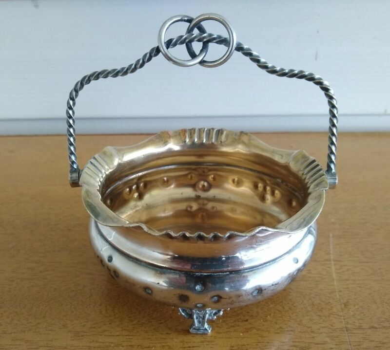 Vintage Meridian Company Silver Plated Bowl 8 L. With Handle