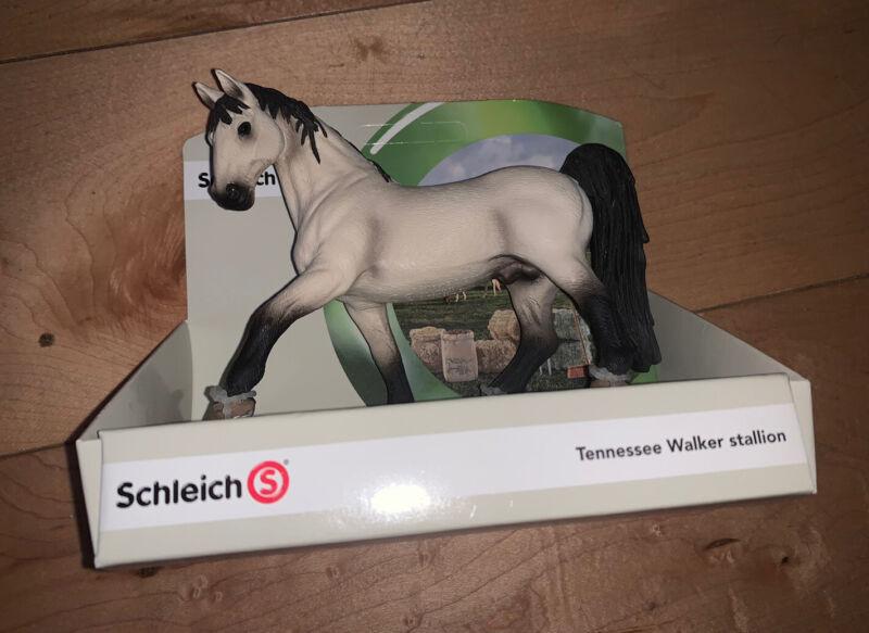 TENNESSEE WALKER STALLION by Schleich/ toy horse/ 13789 / RETIRED