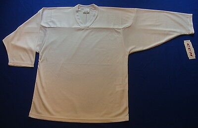 New CCM 10200 White Practice Hockey Jersey with Tag Size Small / Medium