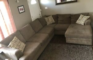 Sectional REDUCED