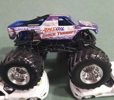 "Hot Wheels "" AMSoil SHOCK THERAPY "" Monster Jam Truck 1:64 Diecast Truck"