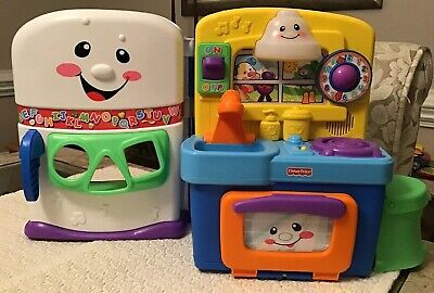 Laugh & Learn Learning Kitchen (Fisher Price Laugh & Learn Learning Kitchen - T4272,)