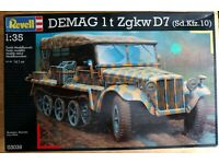 Italeri Sd.Kfz.10 Demag D7 w//German Paratr in 1:35 510006561 Italeri 6561   .
