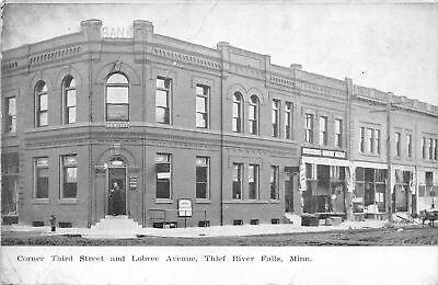 Thief River Falls MN~Third Street~Lobree Ave~Robertson Bargain Bazaar~1911 as (Robertson Ave)