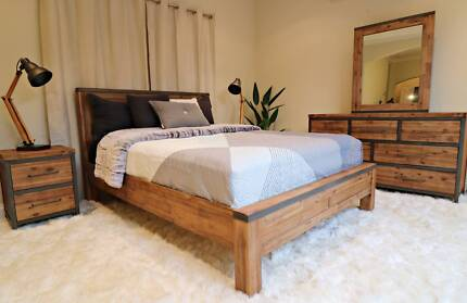 Contemporary Hardwood Colorado Bed Frame (Queen/King) - Brand New