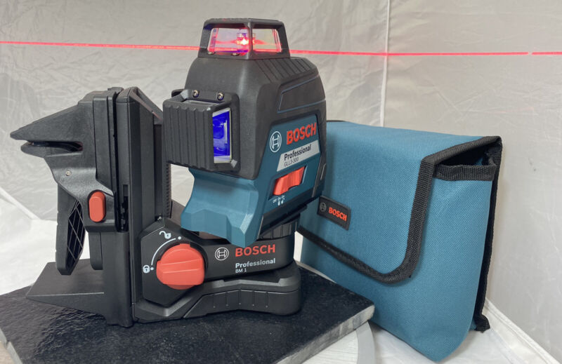 BOSCH PROFESSIONAL GLL3 300 Three-Plane Leveling and Alignment-Line Laser