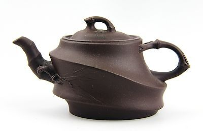 CHINESE YIXING ZISHA CLAY ARTISTIC DARK-BROWN TEAPOT AND COVER # 9 EXCELLENT NEW