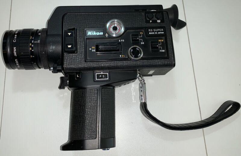 Vintage Nikon R8 Super Zoom 8mm Movie Camera F 7.5 60mm Zoom C Lens Clean Tested
