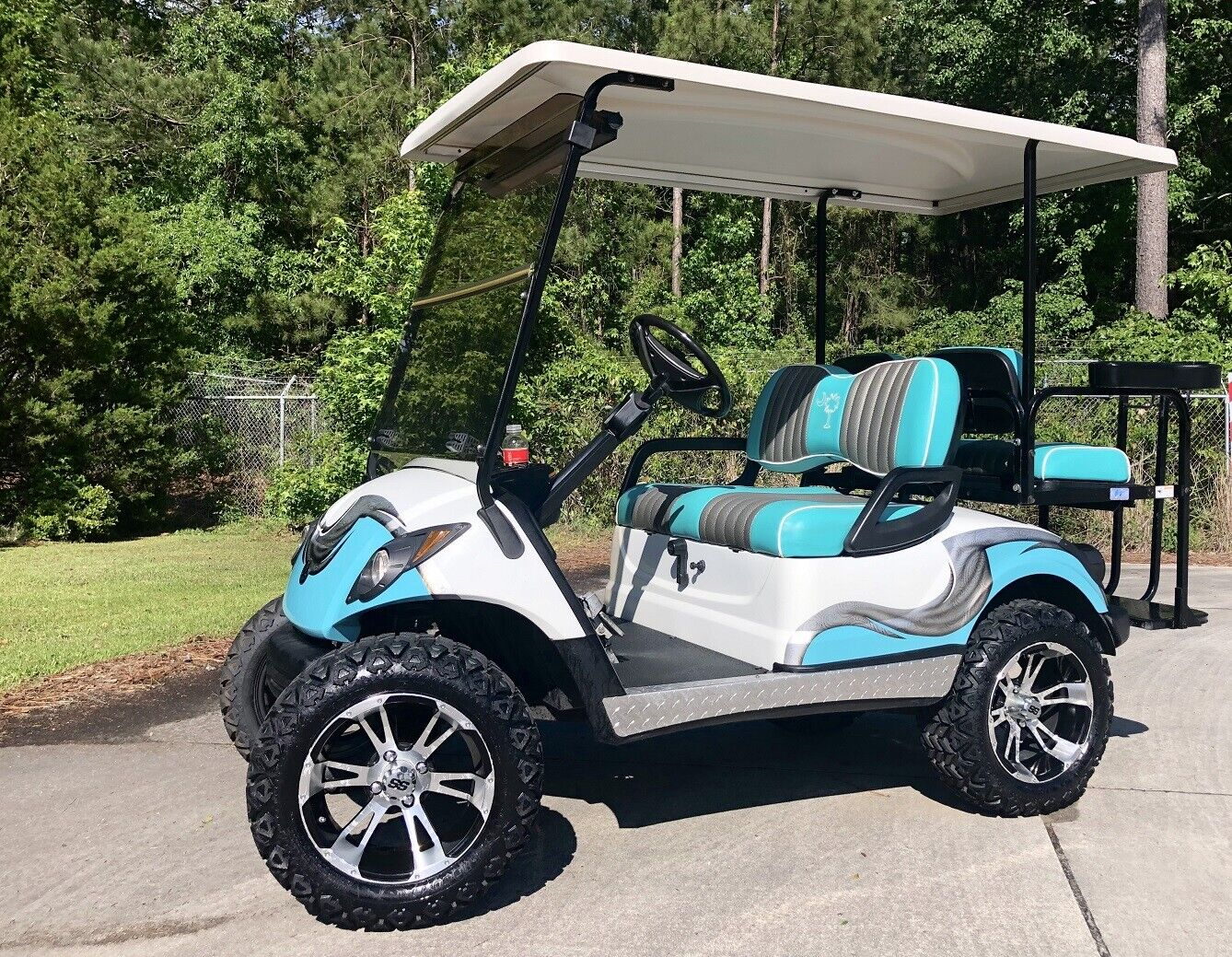 2011 Yamaha Gas Powered Lifted 4 Passenger Golf Cart ...