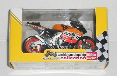 Honda RC211V Team REPSOL World Champion 2003 Rider V. Rossi