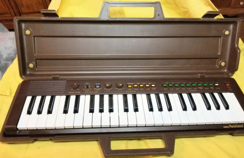 Vintage Yamaha Portasoud PS-3 Piano with Case
