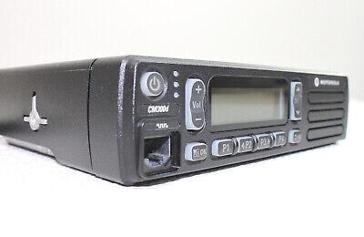 Motorola Mototrbo Cm300d Analog 25w Uhf 99ch 403-470 Mhz Mobile