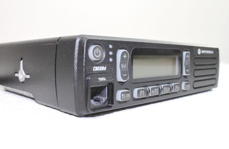 Motorola MOTOTRBO CM300d DIGITAL 45W VHF 99ch 136-174 MHz Mobile