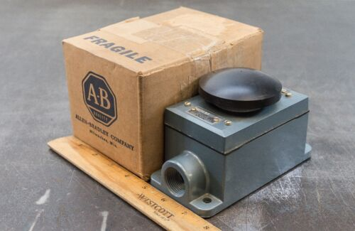 Allen-Bradley AB Electrical Enclosure Push Start Button Electric 800T-1T1BB