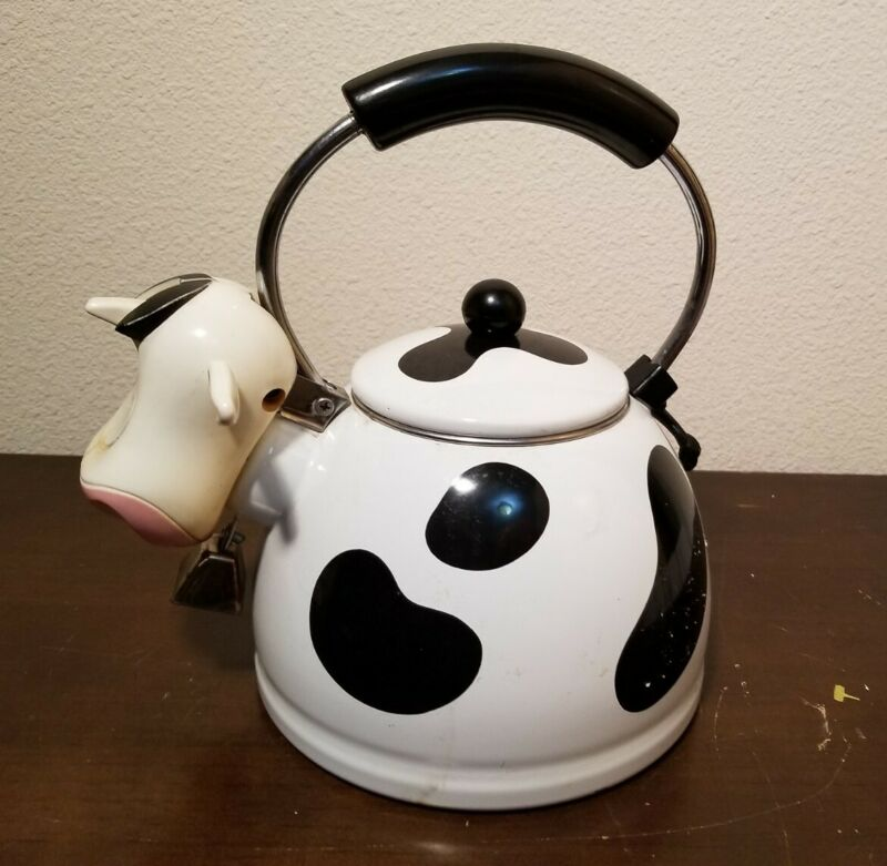 M.K. Kamenstein Cow Teapot Enamel Whistling Tea Kettle Kitchen Farm 2.5 Qt