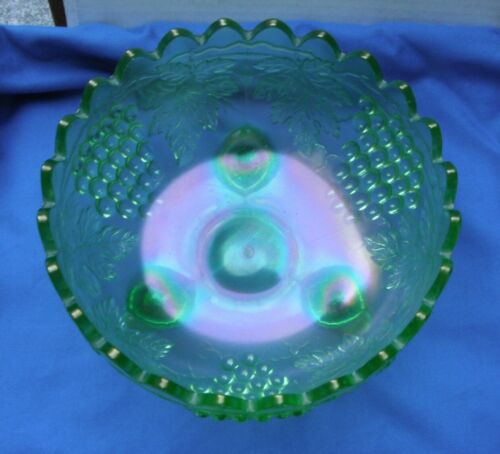 Grape + Cable--Center Bowl--pretty ice green--hxx...vintage Northwood carnival