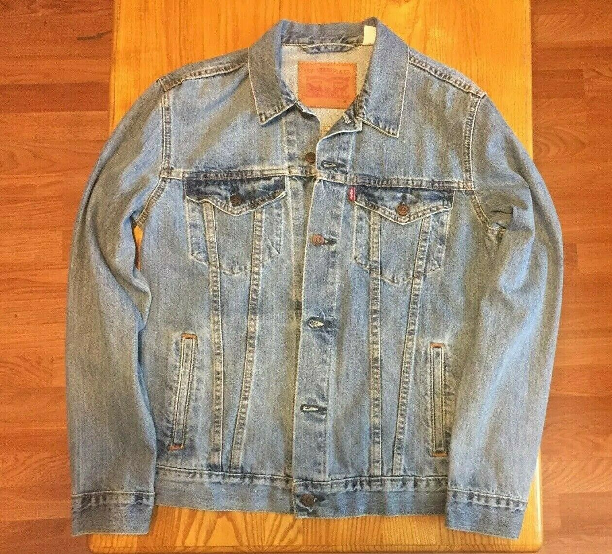 *Rare Color* NWOT Mens Levis ICY Denim Trucker Jacket Lightw