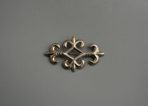 Vintage Navajo Cast Sterling Silver Pin - Classic Fleur de Lis Design - Signed R