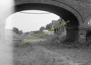 Higham Ferrers Railway Station Photo. Wellingborough Line. Midland Railway