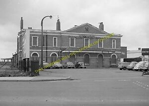 Great Yarmouth South Town Railway Station Photo. Great Eastern Railway