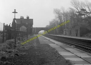 Capenhurst Railway Station Photo. Ledsham - Mollington. Hooton to Chester