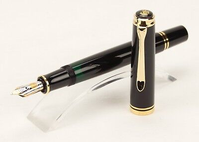 Older Pelikan Fountain Pen Souveran M600 in Black-Gold with rare  OM-nib