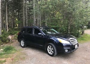 2013 AWD Subaru Outback Excellent Condition