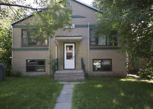 Alberta Side 1 Bedroom Apartment - Available Immediately!