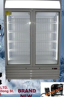 Brand new 888lt commercial upright display freezer!