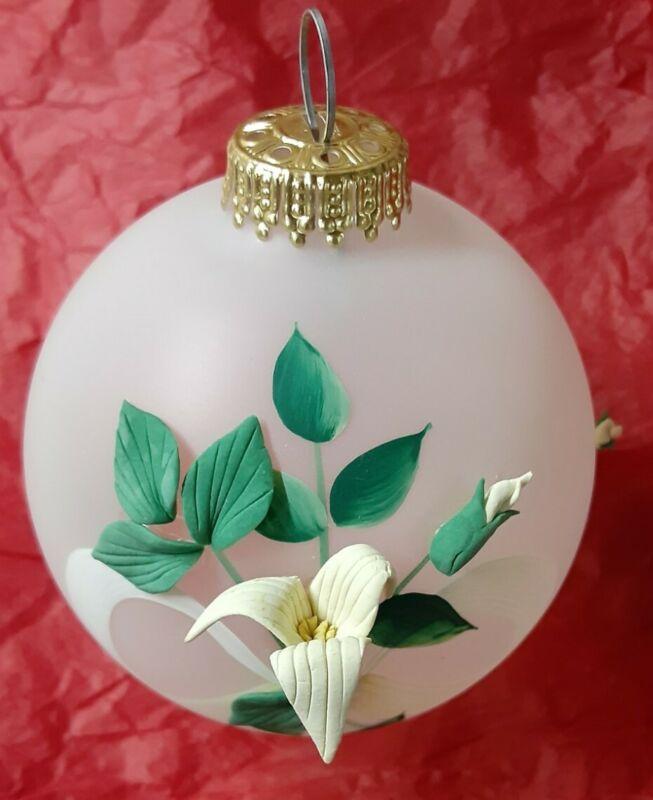 Krebs Heirloom Ornament With Handmade Flowers