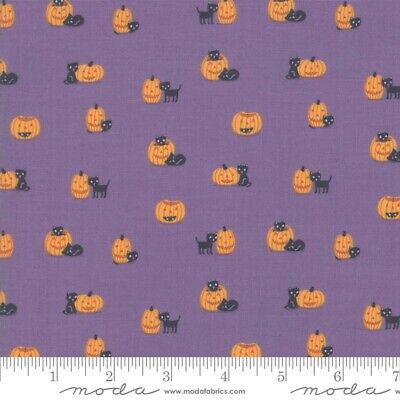 MODA Ghouls and Goodies by Stacy lest Hsu (20684-17) 1 Yard / Halloween fabric