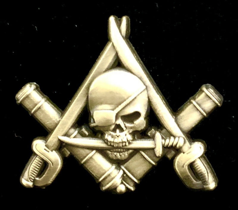 """""""Cannons and Cutlasses"""" Masonic Freemason Pirate Pin in Antique Gold"""