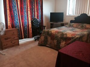 Big Bedroom Furnished Townhouse Rent Includes Electric Wifi & Garage Carina Heights Brisbane South East Preview