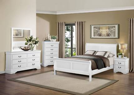 Brand New 4 pce Mayville Queen Suite In White and Black