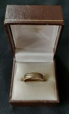 BEAUTIFUL 9ct 5 DIAMOND SET GOLD RING SIZE N1/5  2.8g