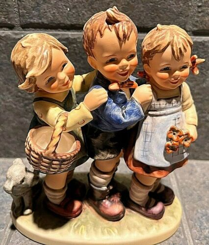 Goebel Hummel Figurine - 3 kids, basket and dog