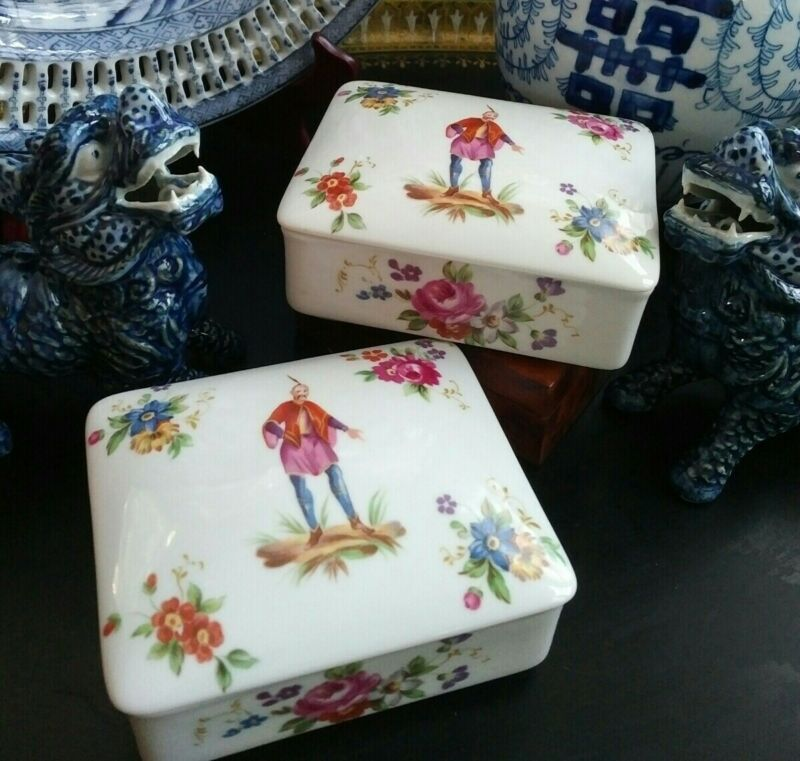Stunning Rare Mottahedeh Chinoiserie Export Canton Famille Rose Ginger Box Pair