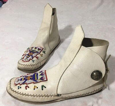 Vintage White Leather Guild Mocs Moccasin Shoes Boots Native American Boho 8