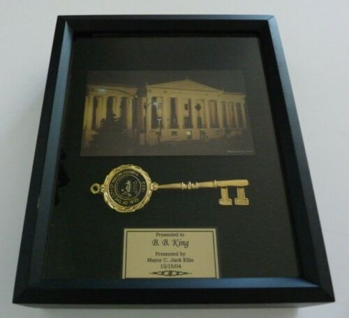 BB King OWNED Framed Macon, GA Key To The City Award JULIEN