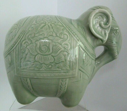 "Beautiful Vintage Thai Siam Celadon Ceramic Elephant 9""T X 6.5""W X 5.5""D"