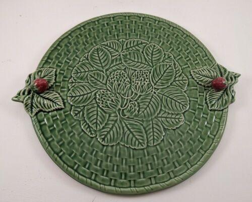 "Bordallo Pinheiro Portugal Majolica Green Strawberry Cake Dish Platter 14 1/2"""