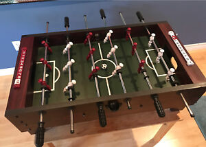 Mini foosball table / petite table de baby-foot