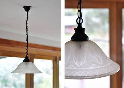Classic/Traditional Etched Glass Shade Pendant Light Diamond Creek Nillumbik Area Preview