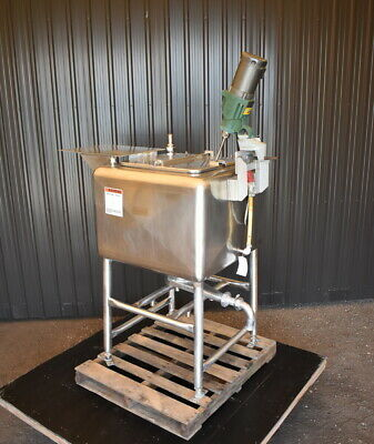 100 Gallon Stainless Steel Tank With Mixer