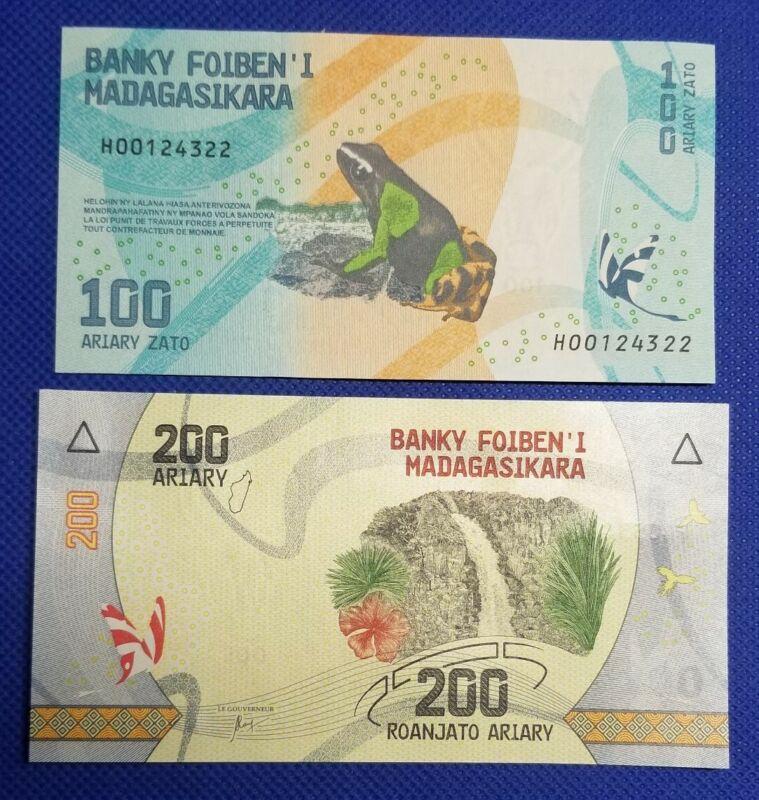 💵 2017 Madagaskar Set of 2 New 100 & 200 Ariary - UNC