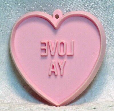 Hallmark Vintage Cookie Cutter - Love Ya Conversation Heart Valentine Wedding ()