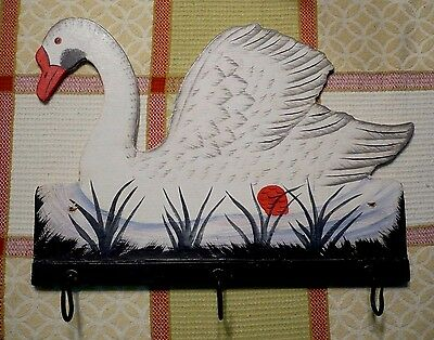 (1)Vintage hand-painted SWAN IN WATER wall hanging/plaque with 3 hooks.Excellent
